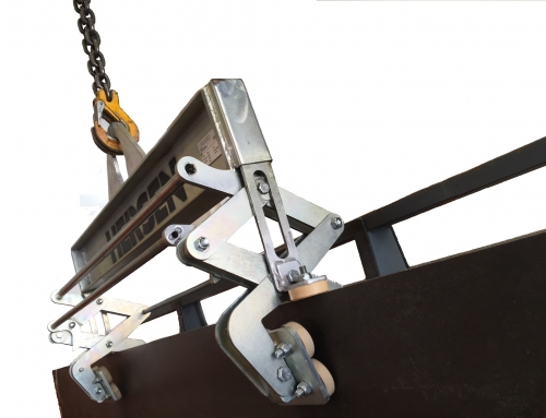 Double clamp to lift porcelain slabs or Neolith