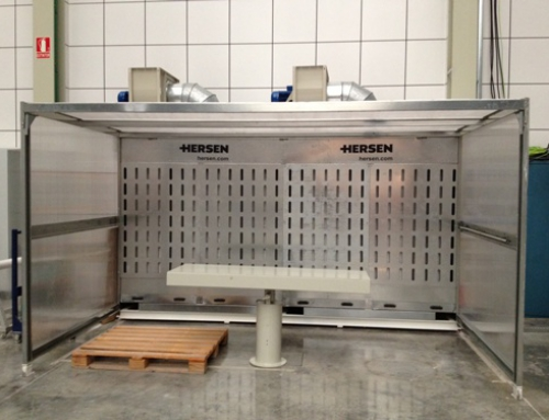 Dust extraction booth for dry marble dust