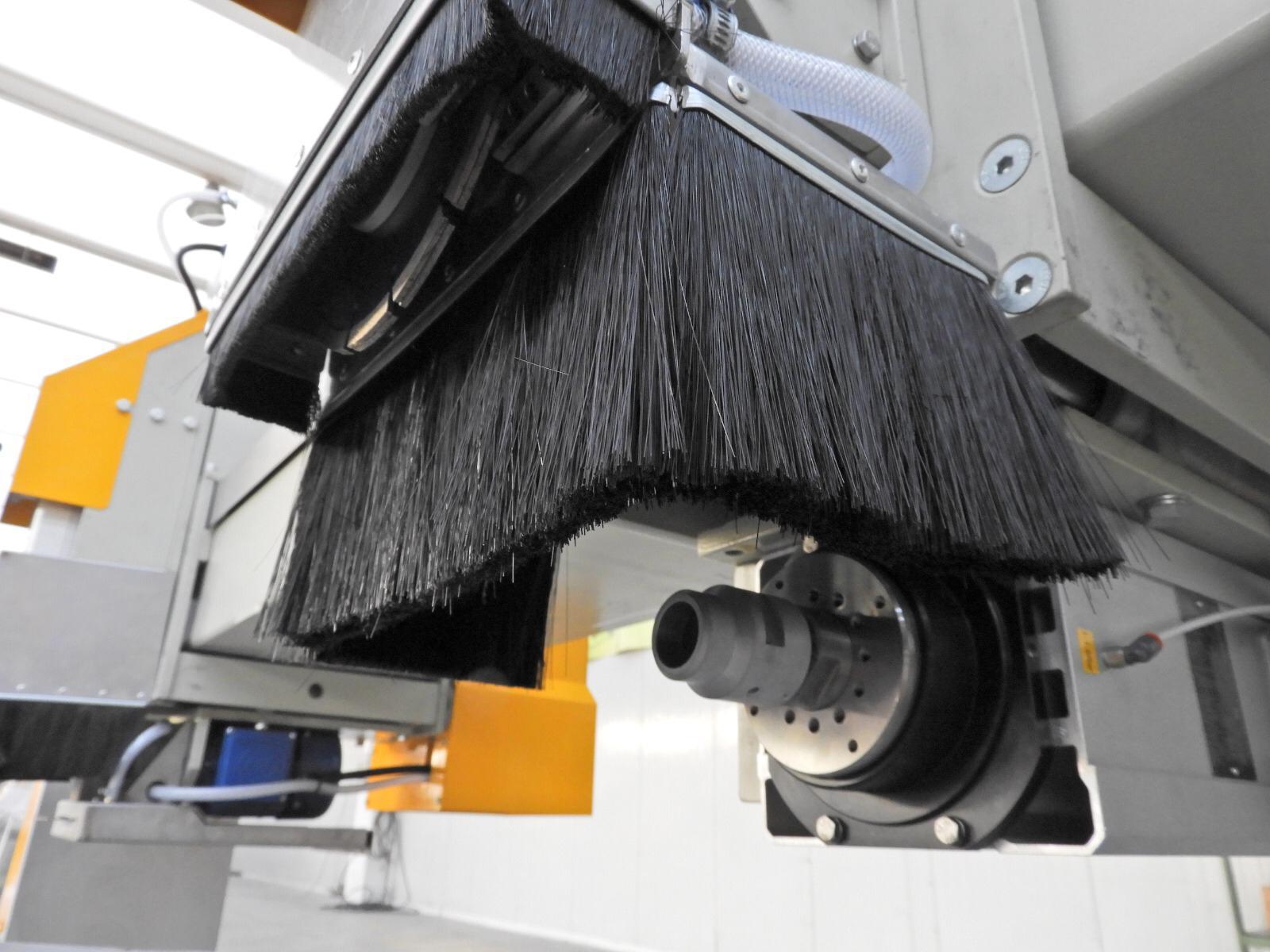 Máquina para revestimiento de fachadas KERF-1000-4